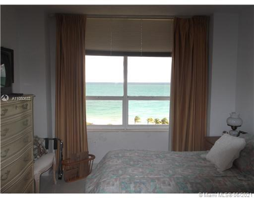 10185 Collins Ave #919 photo07