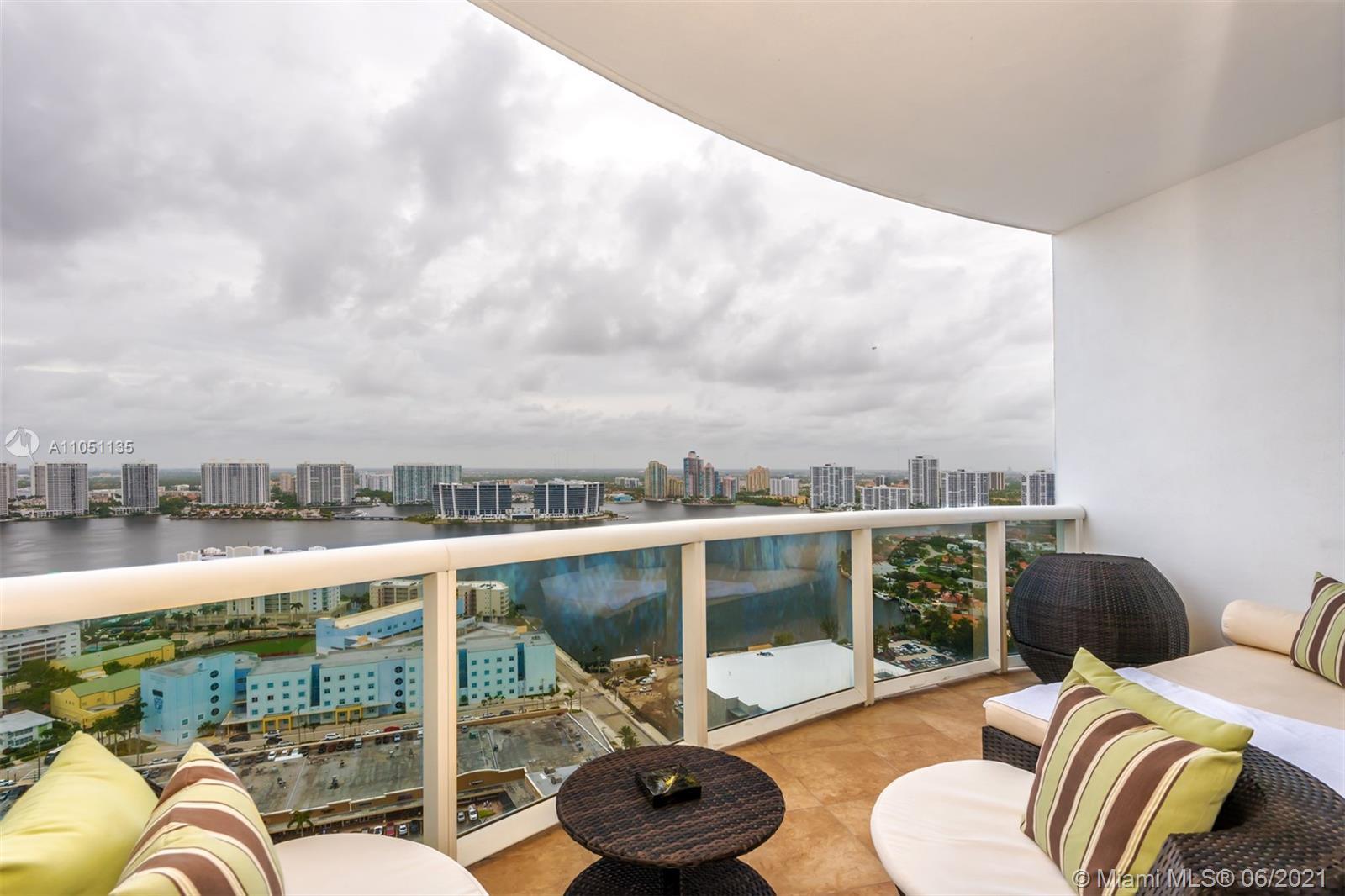 18201 Collins Ave #4001A photo02