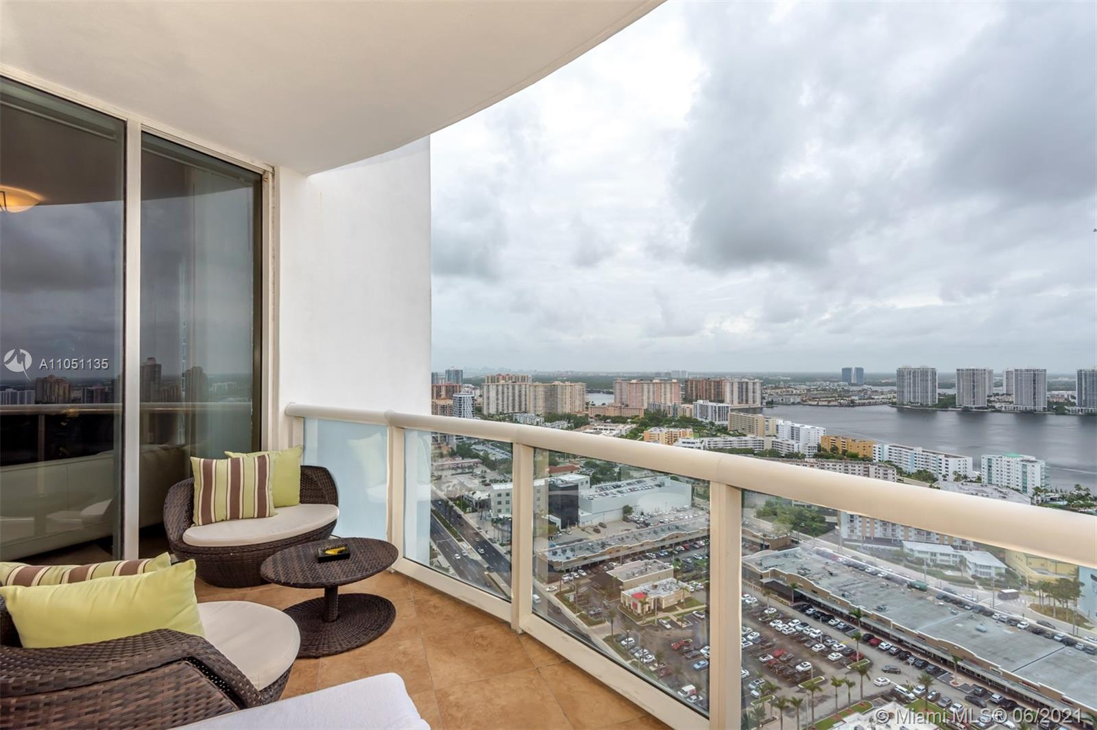 18201 Collins Ave #4001A photo01