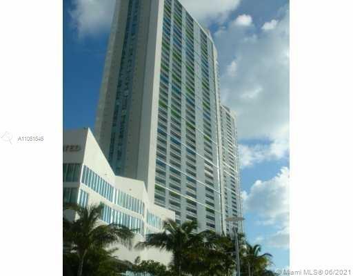 One Miami #4316 - 02 - photo