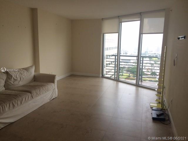 One Miami #4316 - 08 - photo