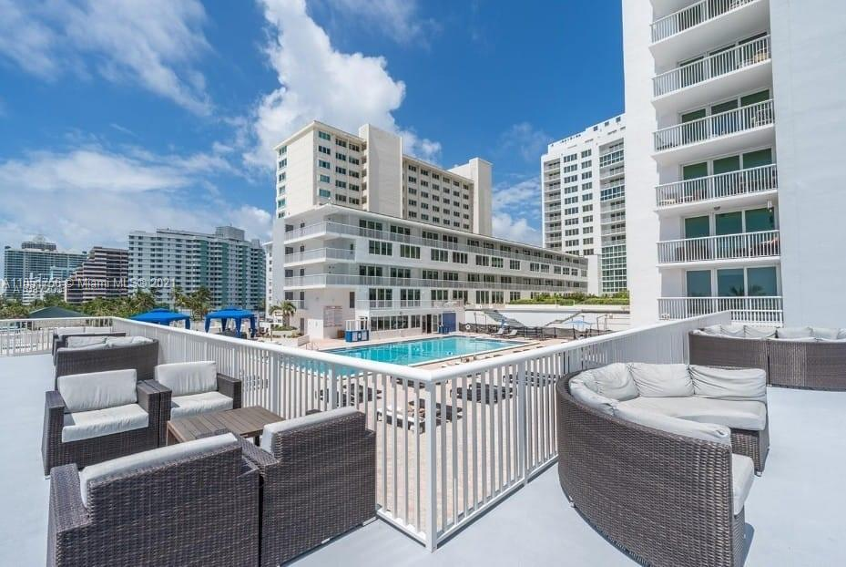 5401 Collins Ave #133 photo02