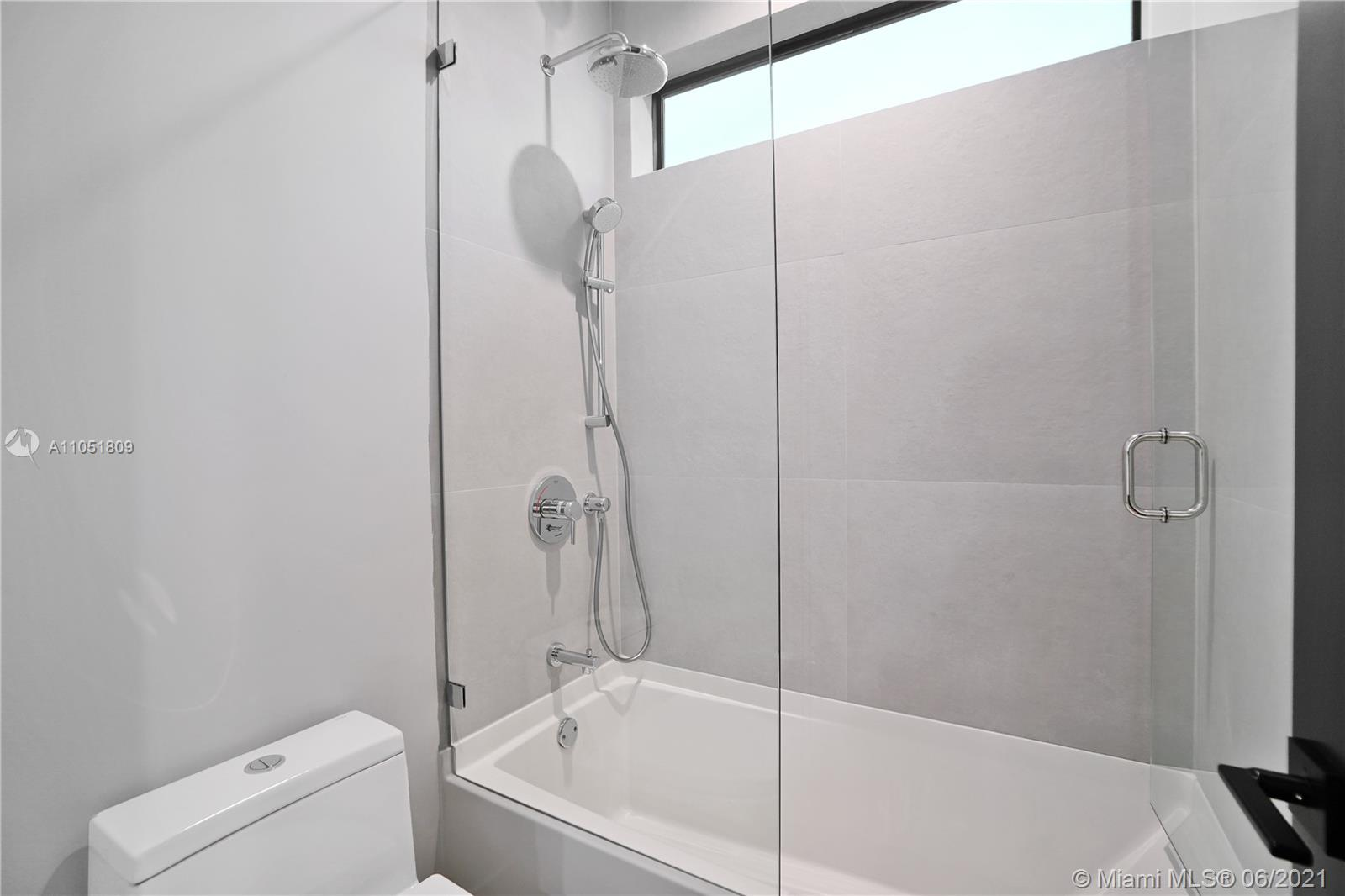 227 NW 39th St #231 photo024