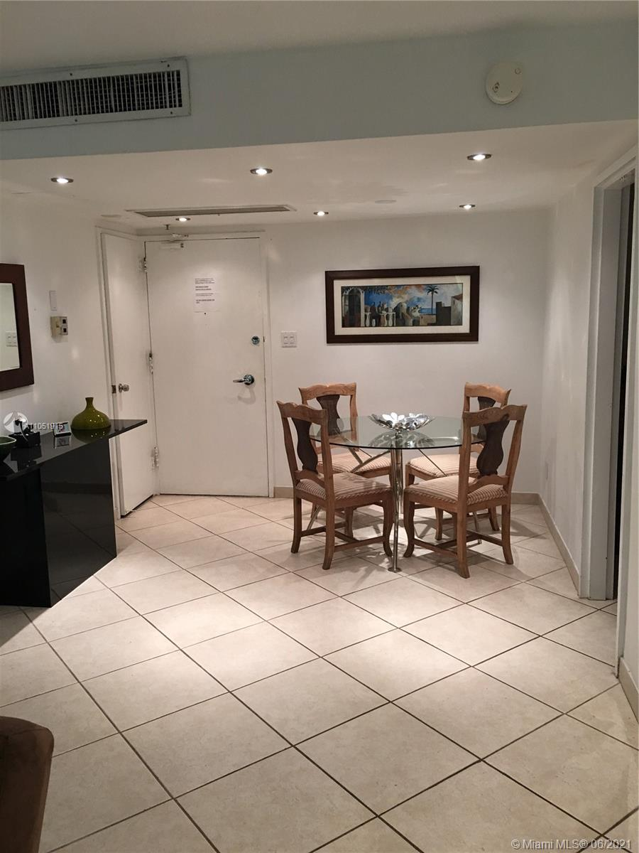 5161 Collins Ave. #1710 photo04