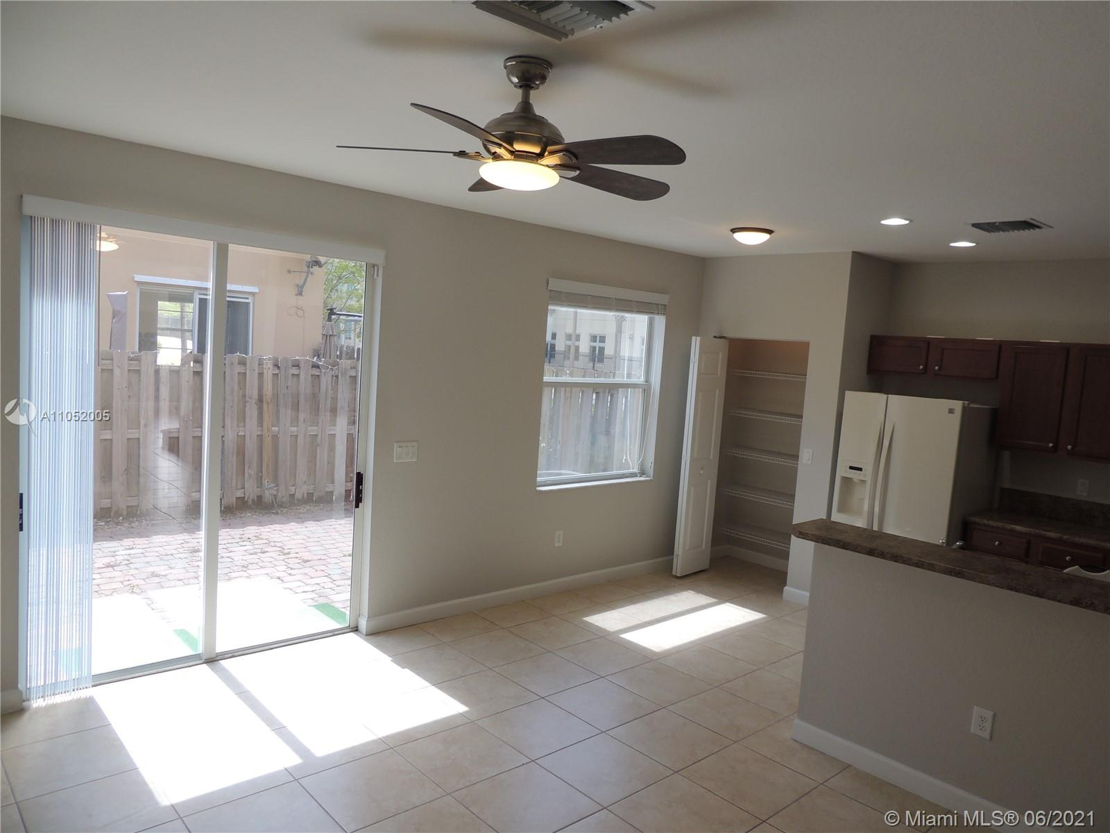 Islands At Doral #8607 - 8607 NW 113th Ct #8607, Doral, FL 33178