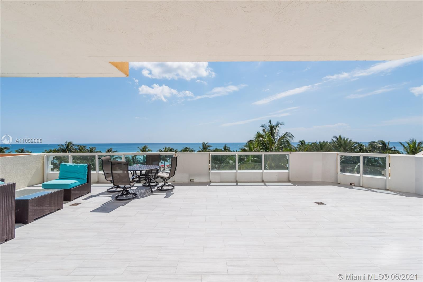 17875 Collins Ave #502 photo07