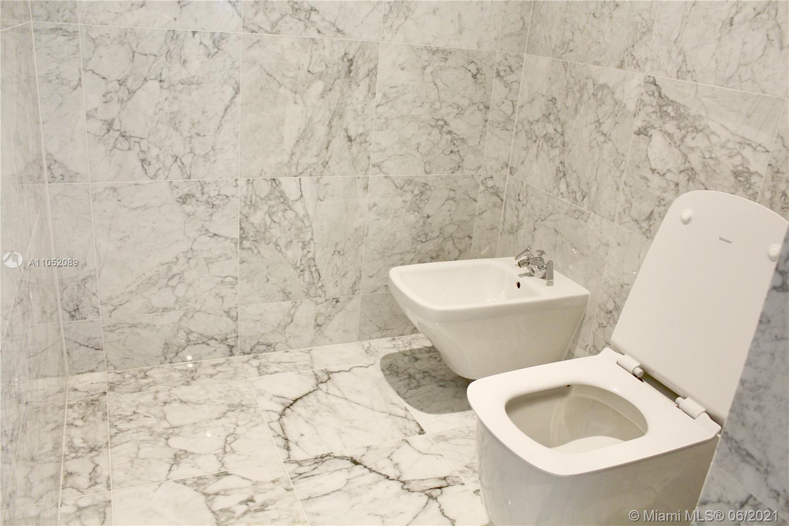 Ritz Carlton Residences #1001 - 15 - photo