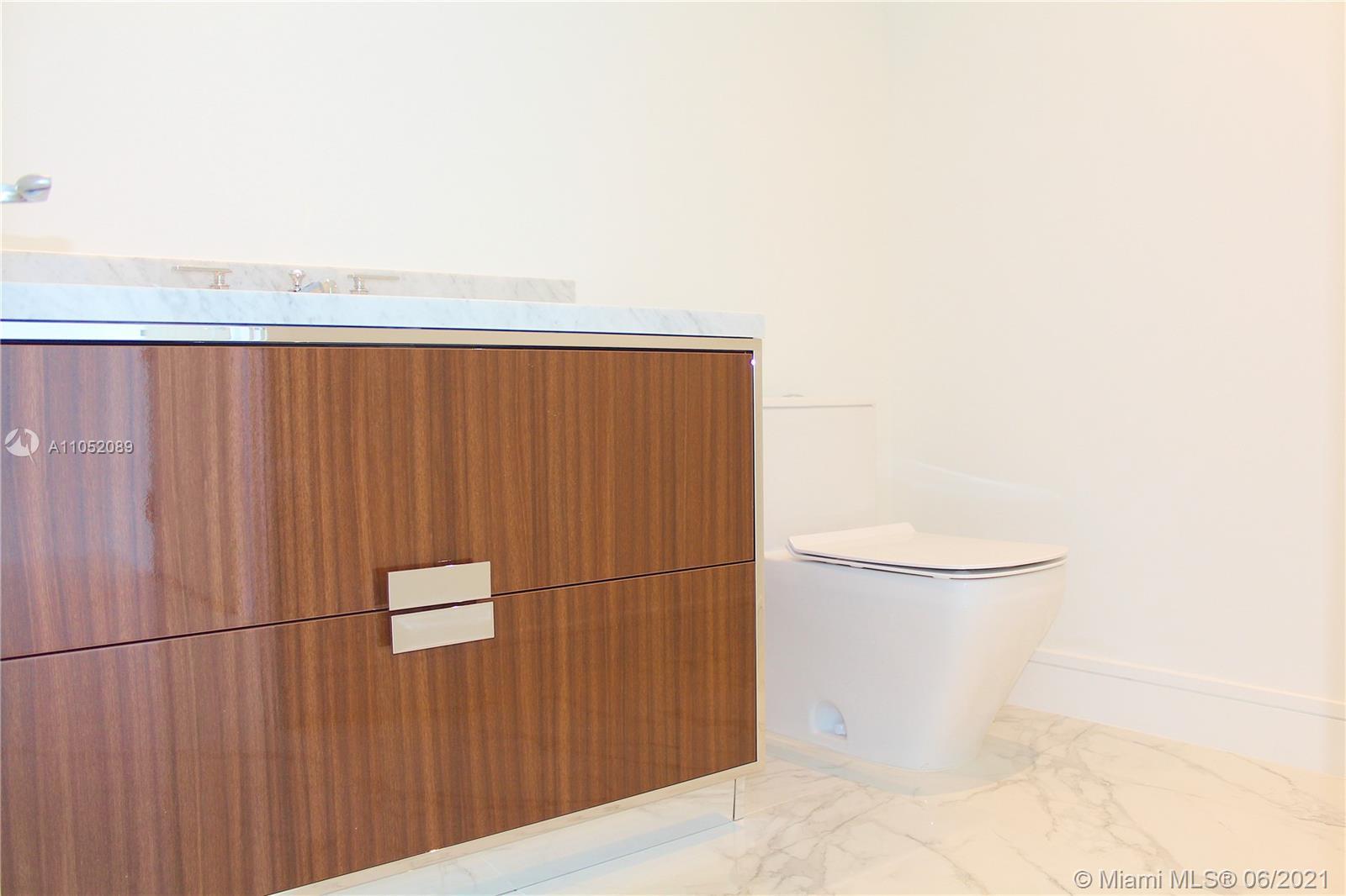 Ritz Carlton Residences #1001 - 11 - photo
