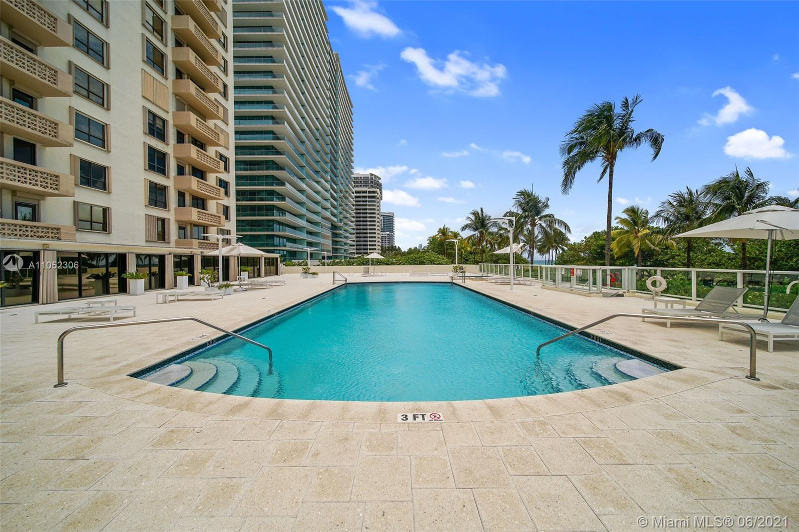 10185 Collins Ave #610 photo02