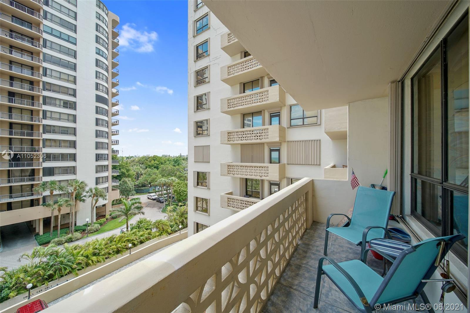 10185 Collins Ave #610 photo012