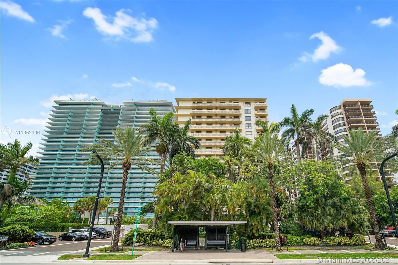 10185 Collins Ave #610 photo03