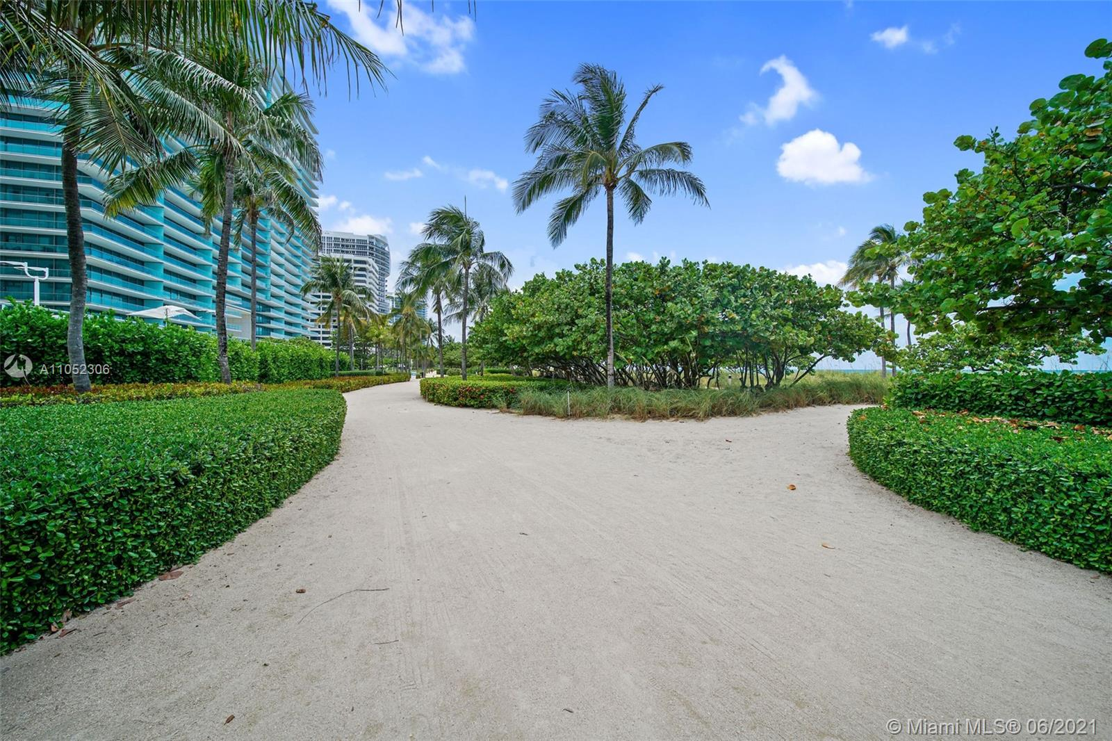 10185 Collins Ave #610 photo09