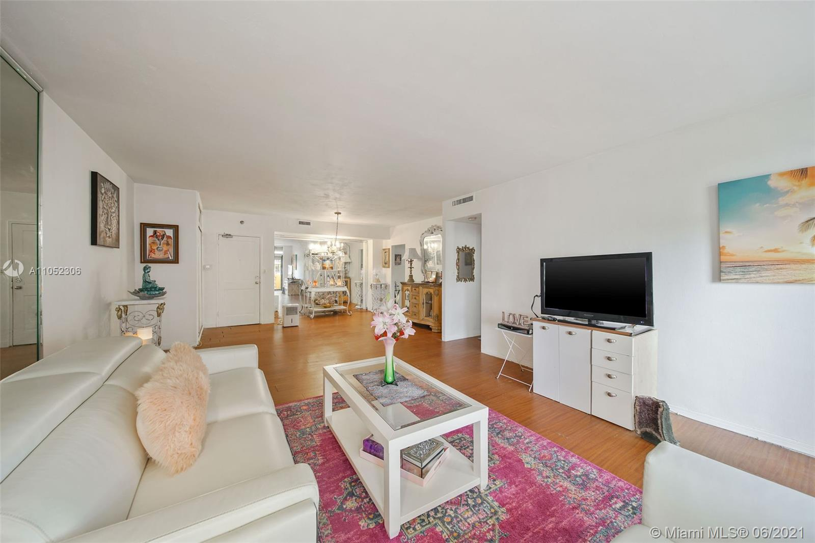 10185 Collins Ave #610 photo014