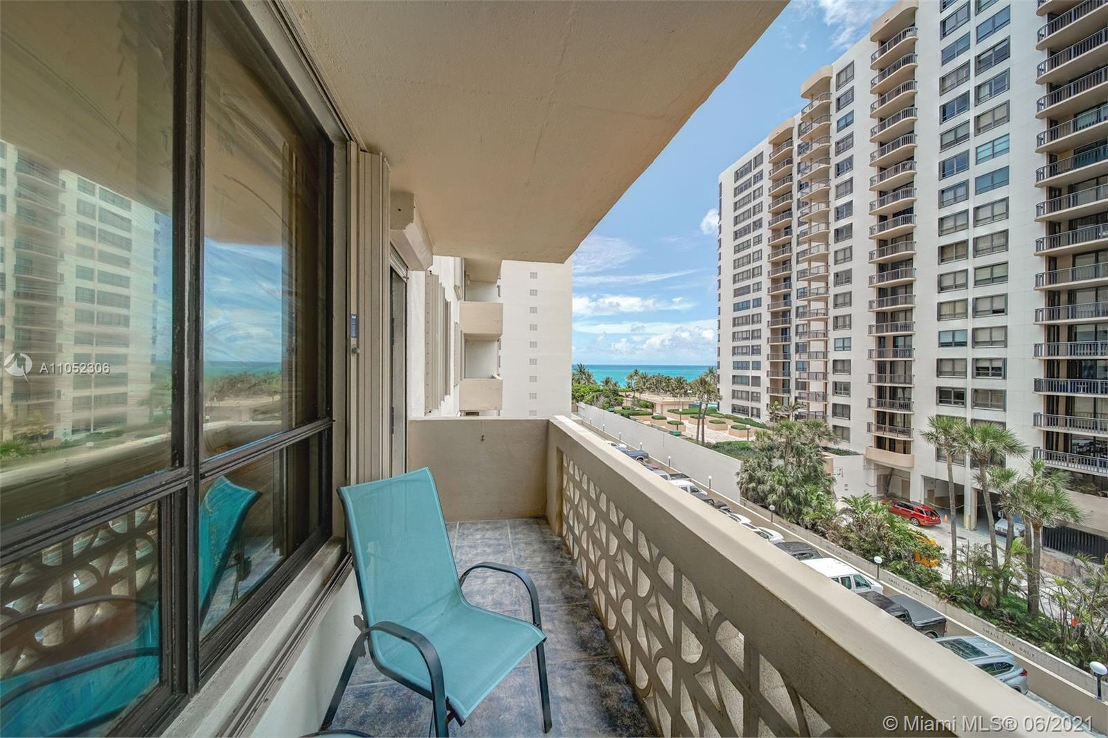 10185 Collins Ave #610 photo011