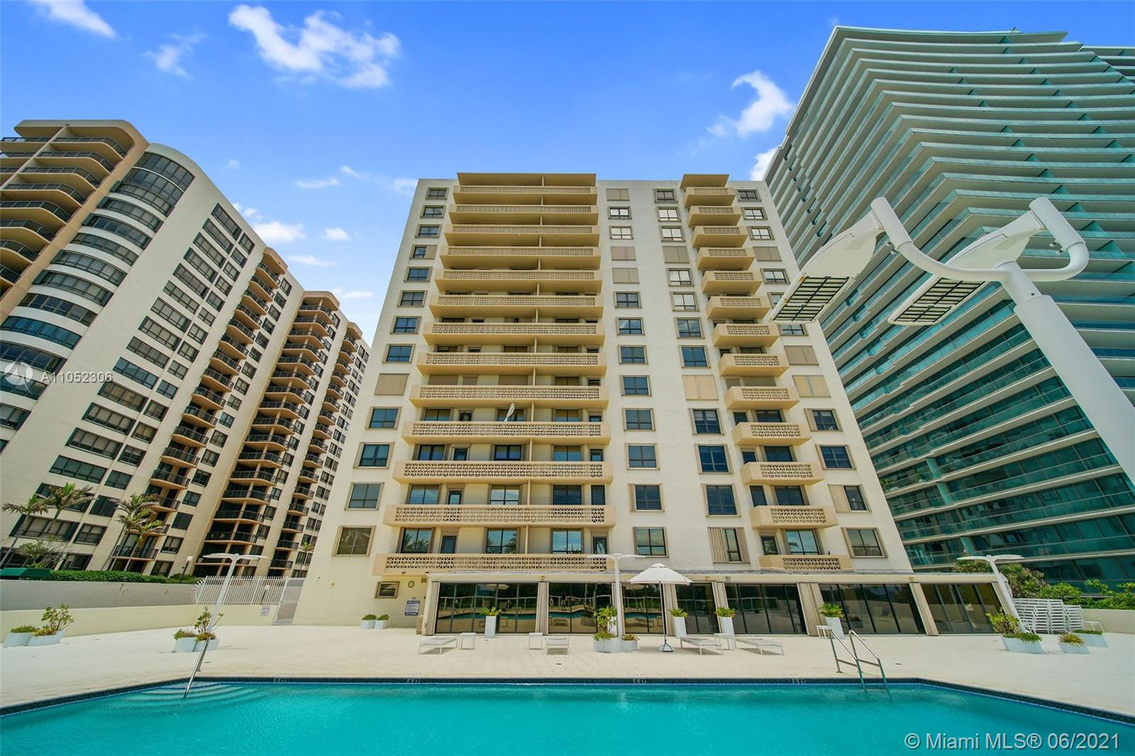 10185 Collins Ave #610 photo04