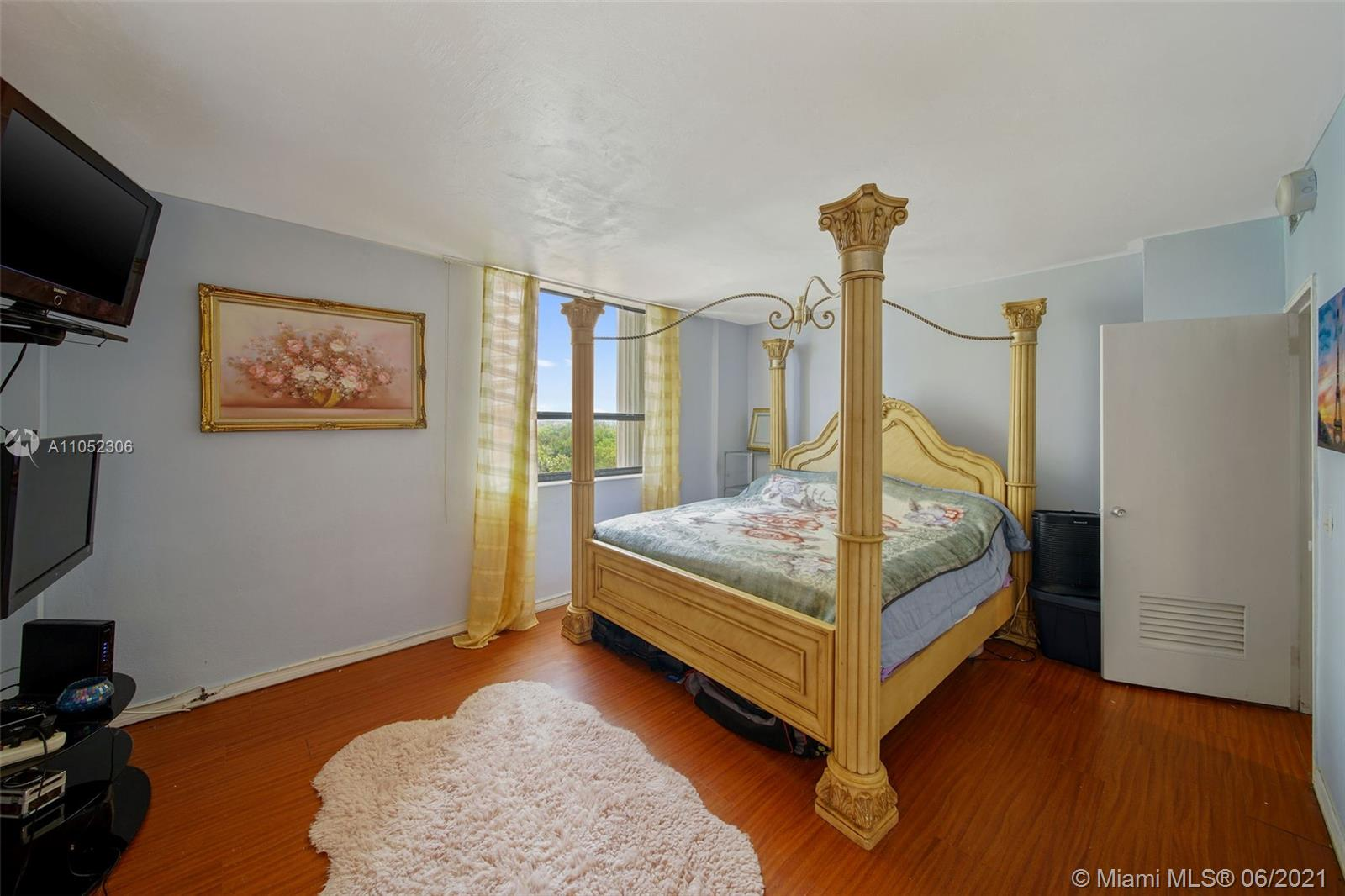 10185 Collins Ave #610 photo021