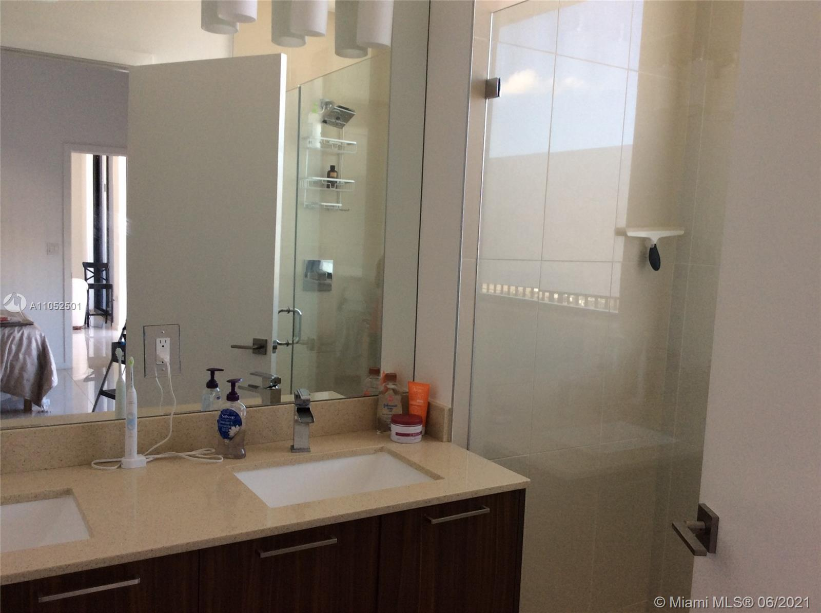 5252 NW 85th Ave #2105 photo027