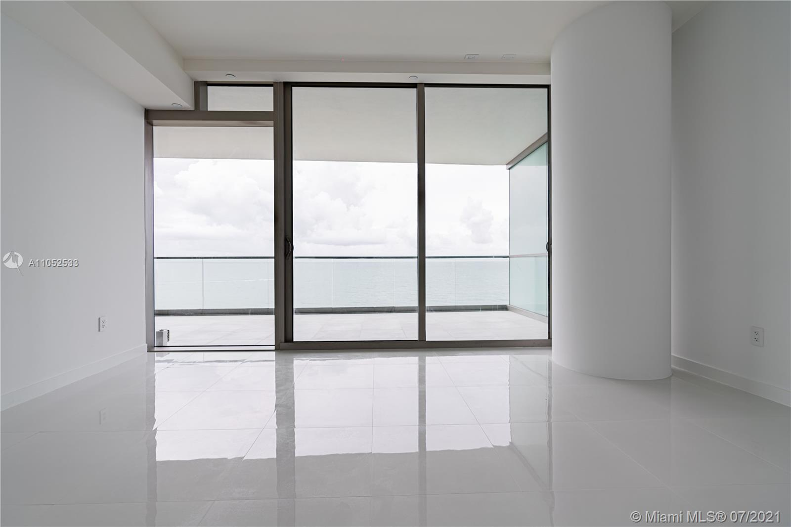 10203 Collins Ave #903 photo018