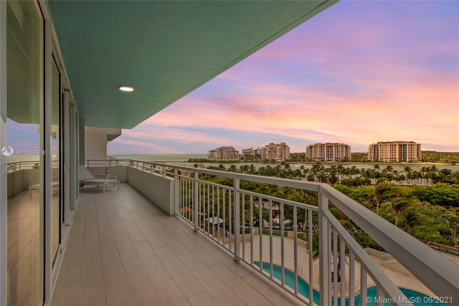400 S Pointe Dr #709 photo030