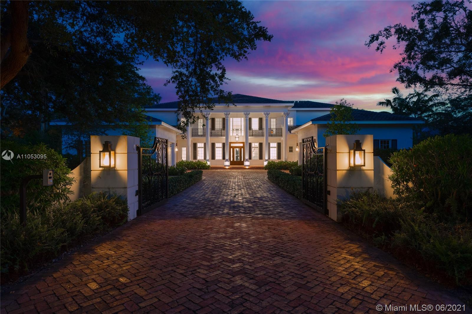Helms Country Estates - 6650 SW 106th St, Pinecrest, FL 33156