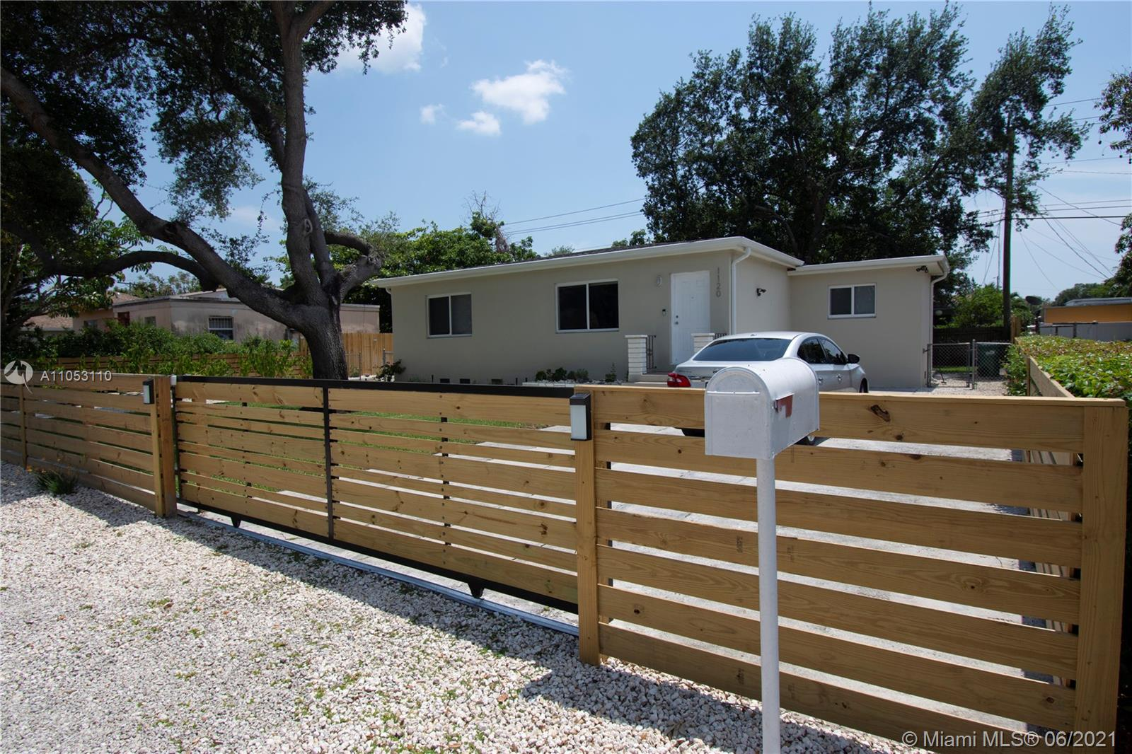 Bisc Gardens - 1120 NW 145th Ter, Miami, FL 33168