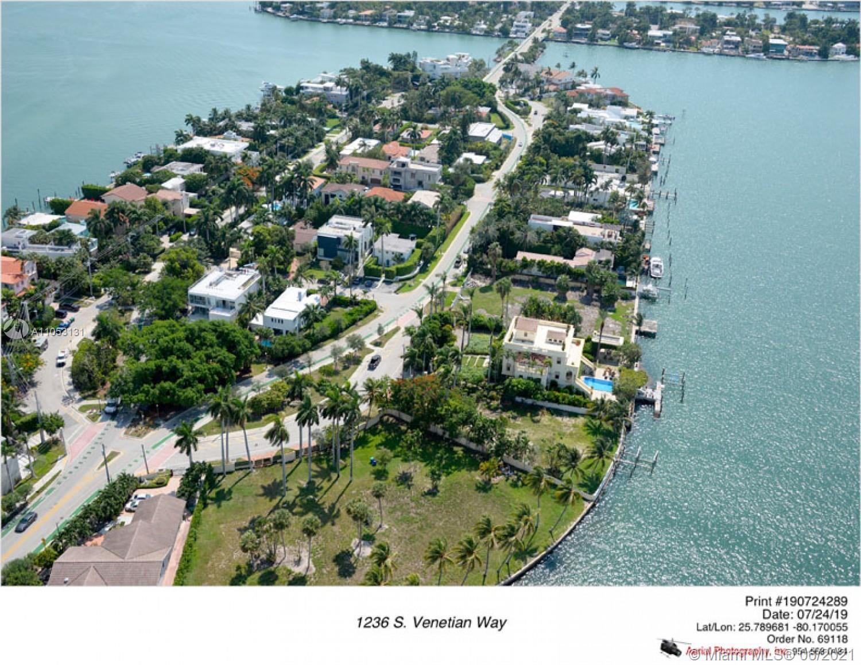 1236 S Venetian Way photo013