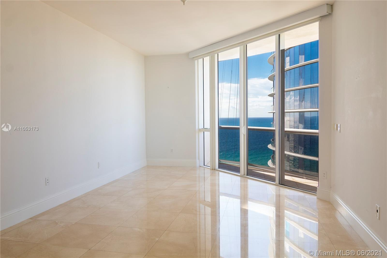 15811 Collins Ave #1206 photo03