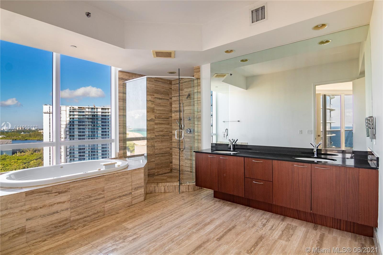 15811 Collins Ave #1206 photo05