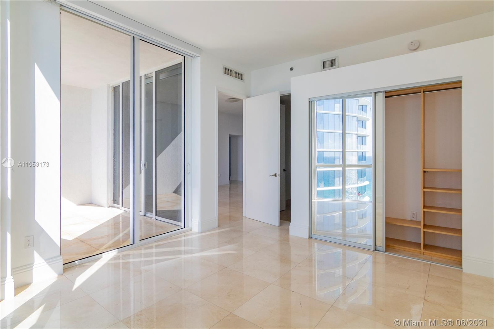 15811 Collins Ave #1206 photo018