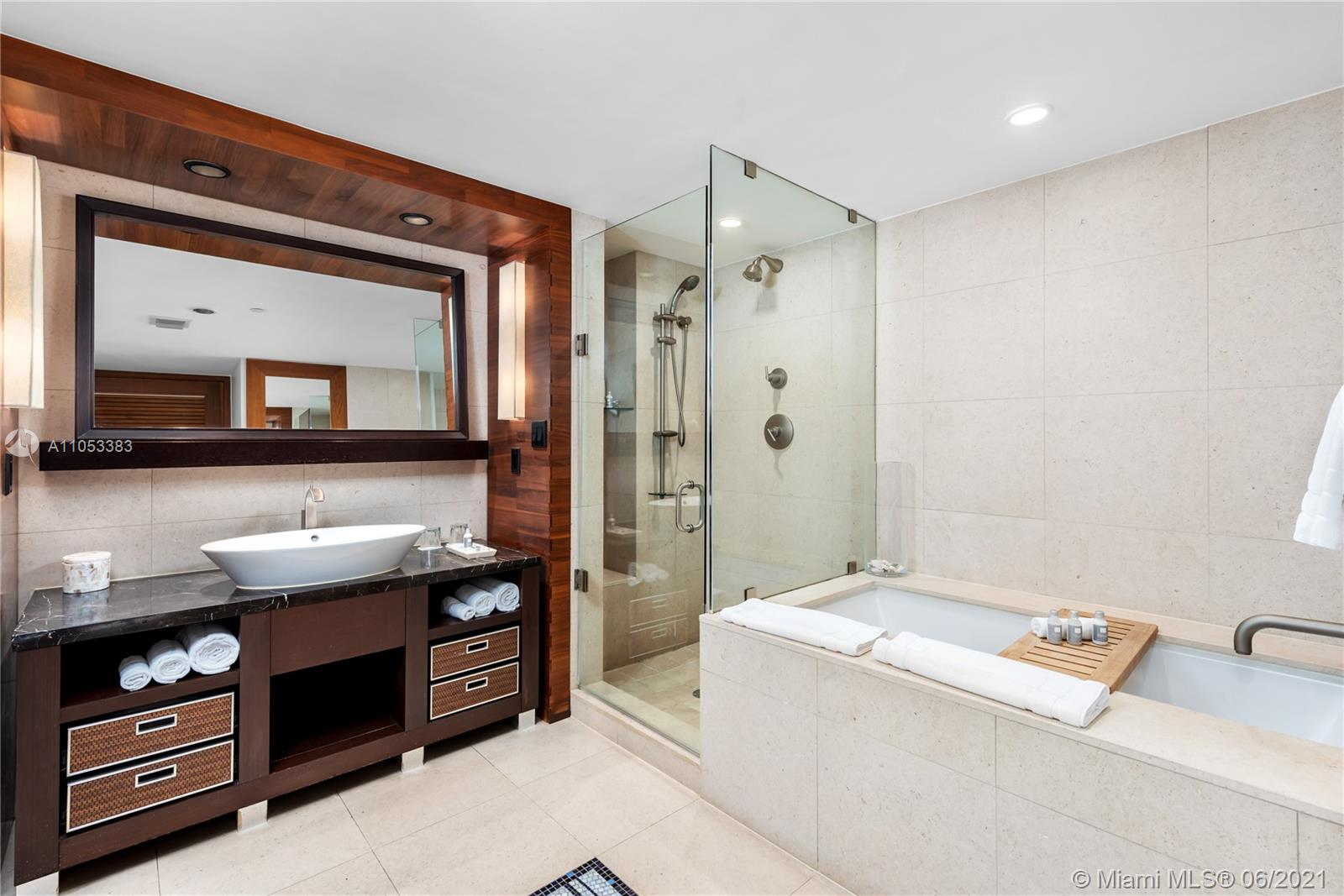6801 Collins Ave #606 photo014