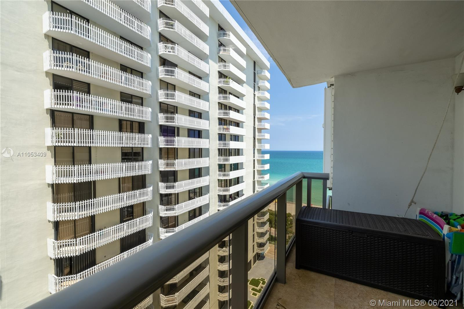 6039 Collins Ave #1507 photo02