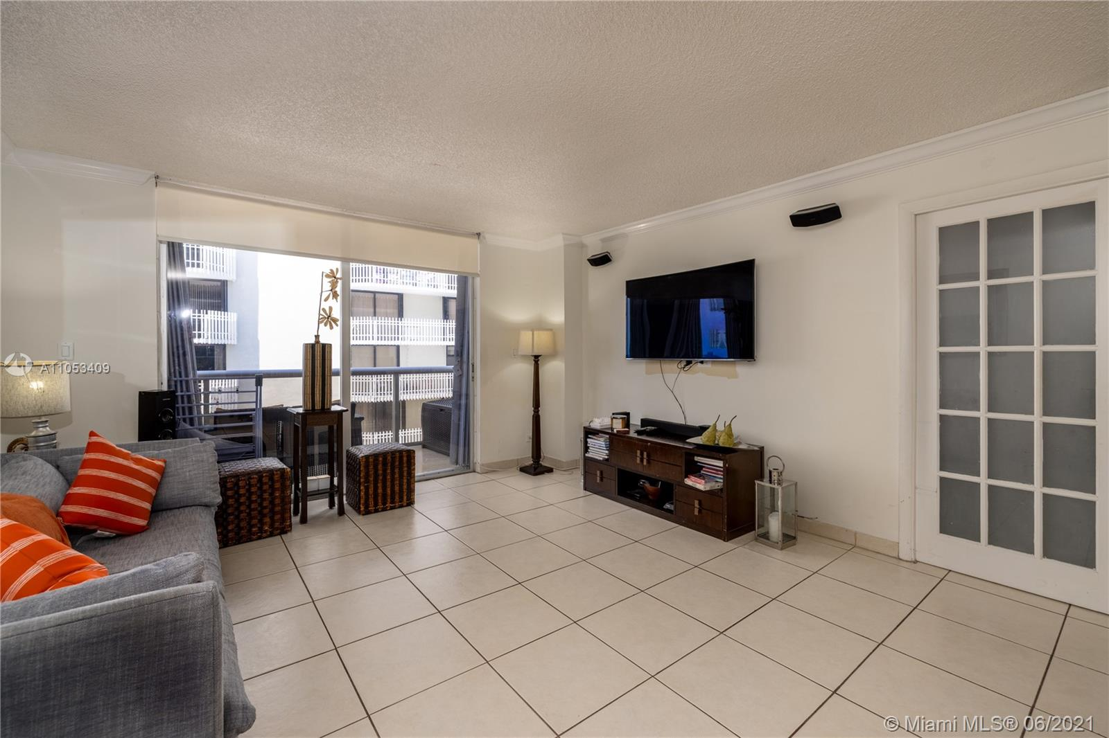 6039 Collins Ave #1507 photo05