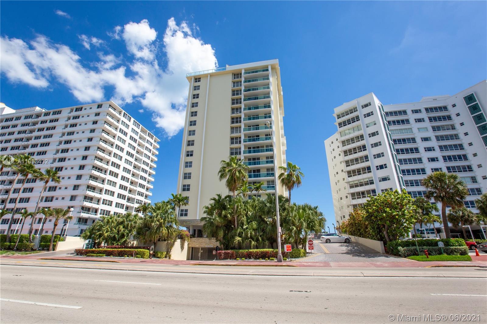 Carriage Club South Tower #12C - 5001 Collins Ave #12C, Miami Beach, FL 33140