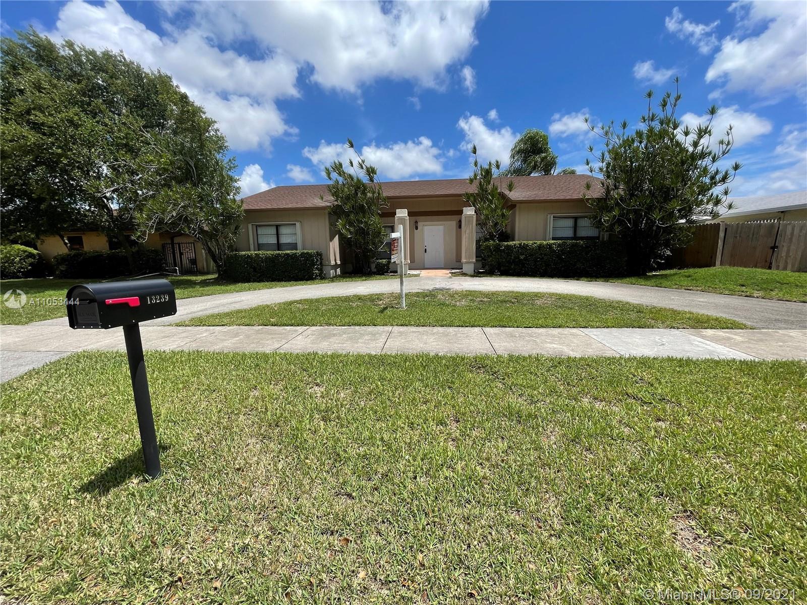 Winston Park - 13239 SW 87th Ter, Miami, FL 33183