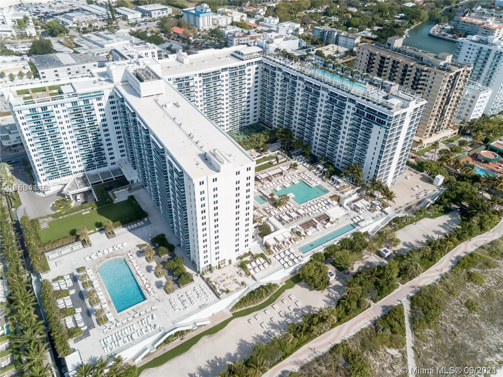 Roney Palace #320/321 - 2301 Collins Ave #320/321, Miami Beach, FL 33139