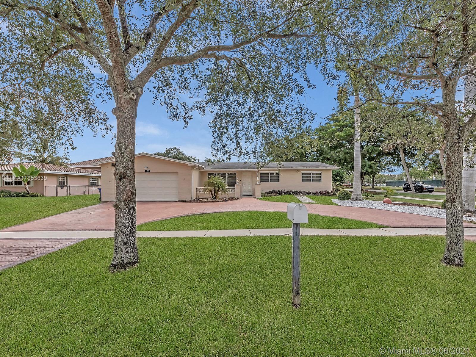 Pembroke Lakes - 1701 NW 106th Ave, Pembroke Pines, FL 33026