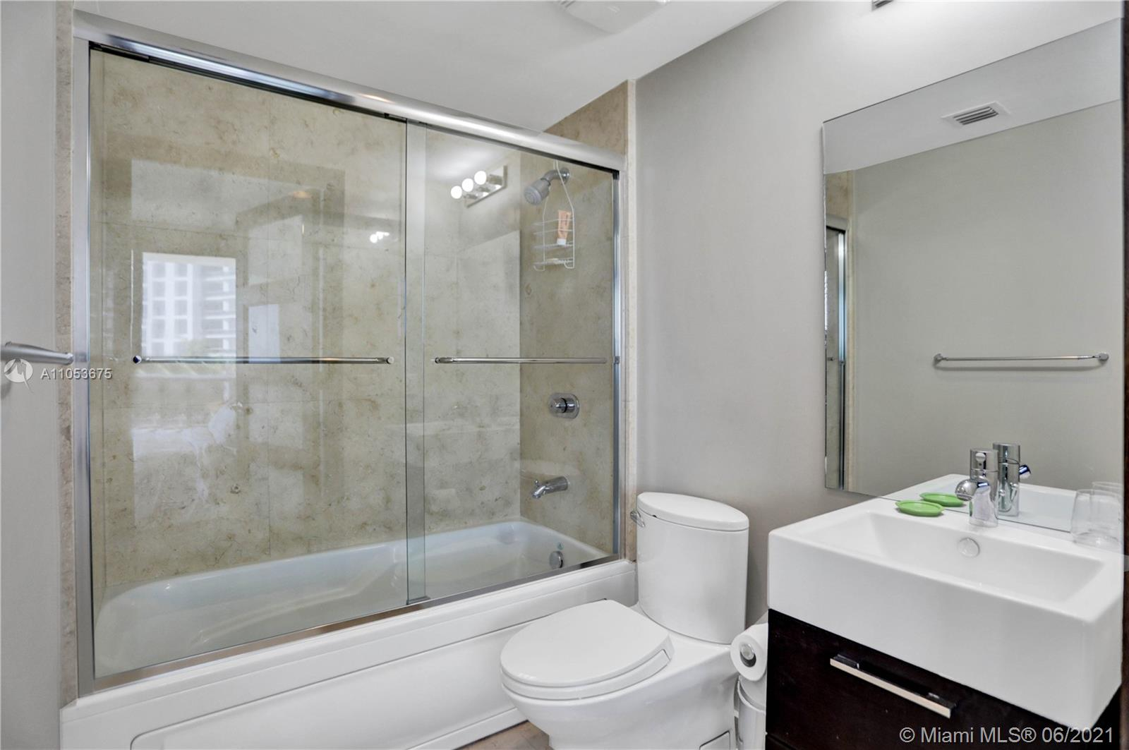 5875 Collins Ave #601 photo010