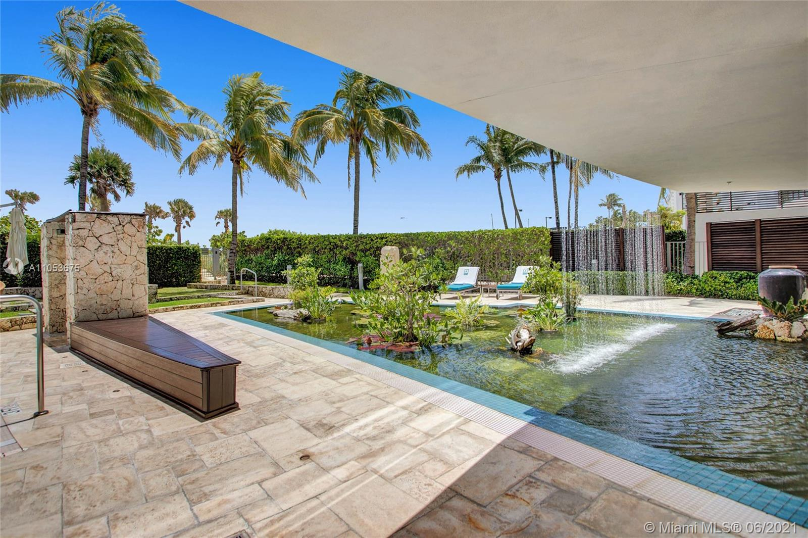 5875 Collins Ave #601 photo070