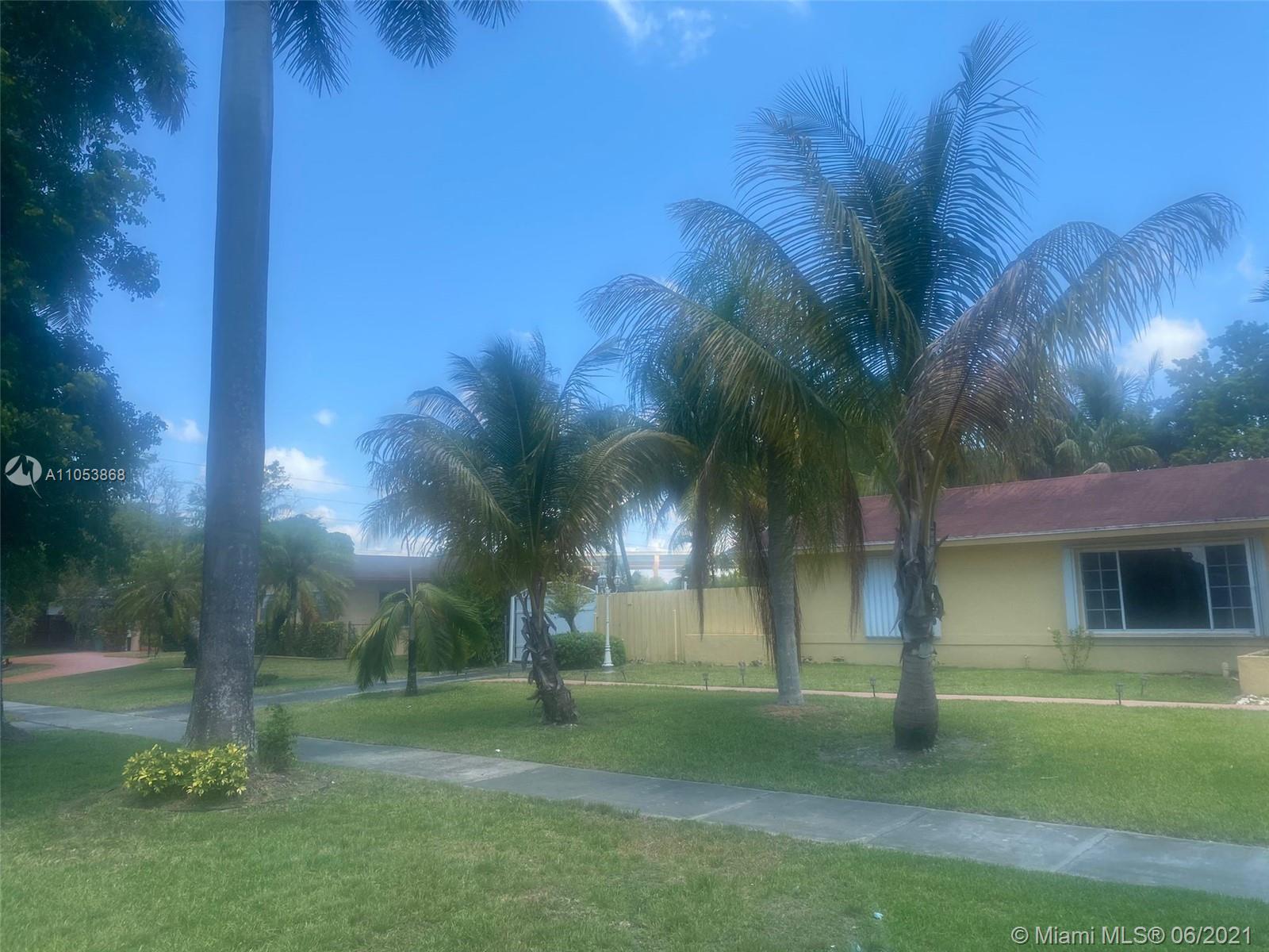 Pine Shore - 11611 SW 128th St, Miami, FL 33176