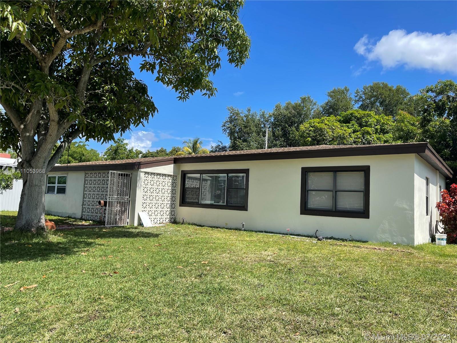 North Miami Beach - 1649 NE 171st St, North Miami Beach, FL 33162