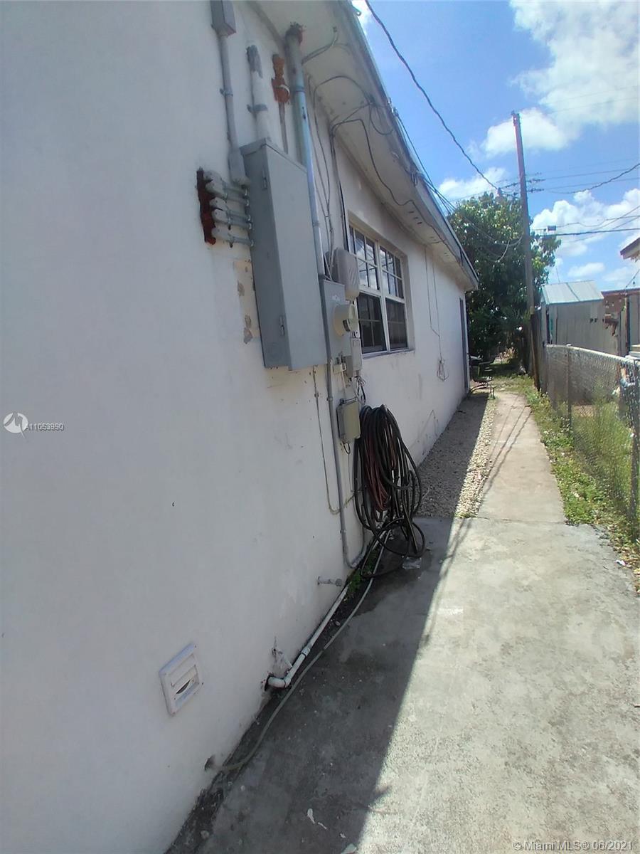 7744 Dilido Blvd photo010