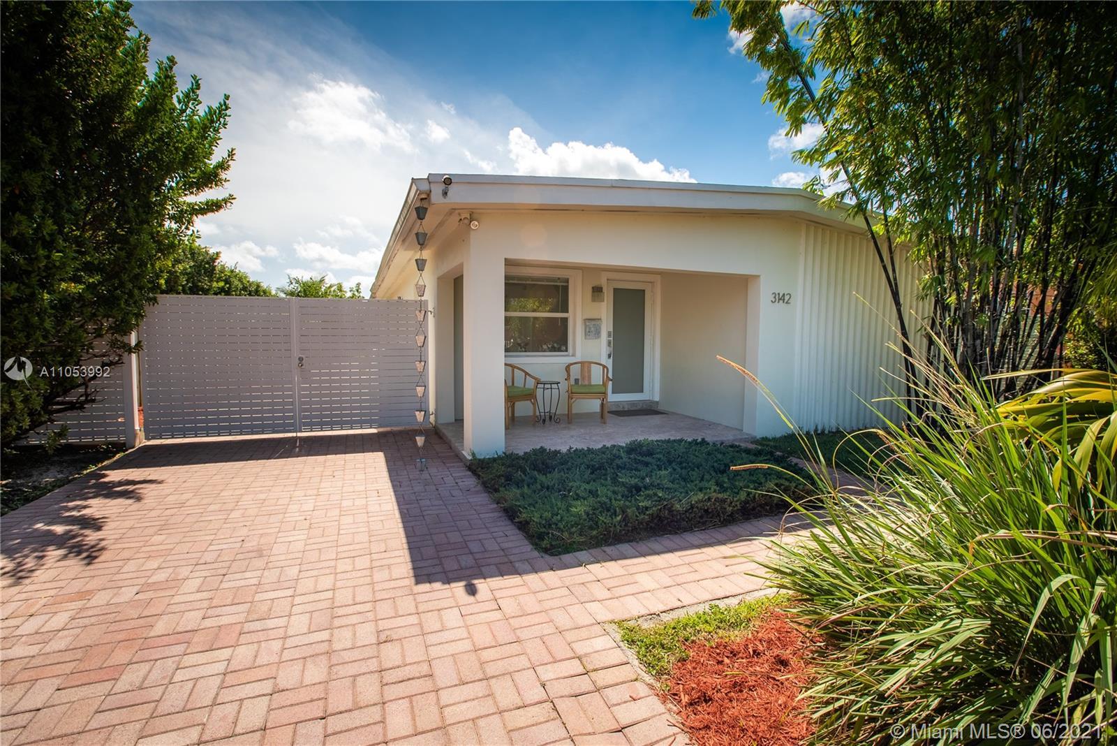 Coral Villas - 3142 SW 65th Ave, Miami, FL 33155