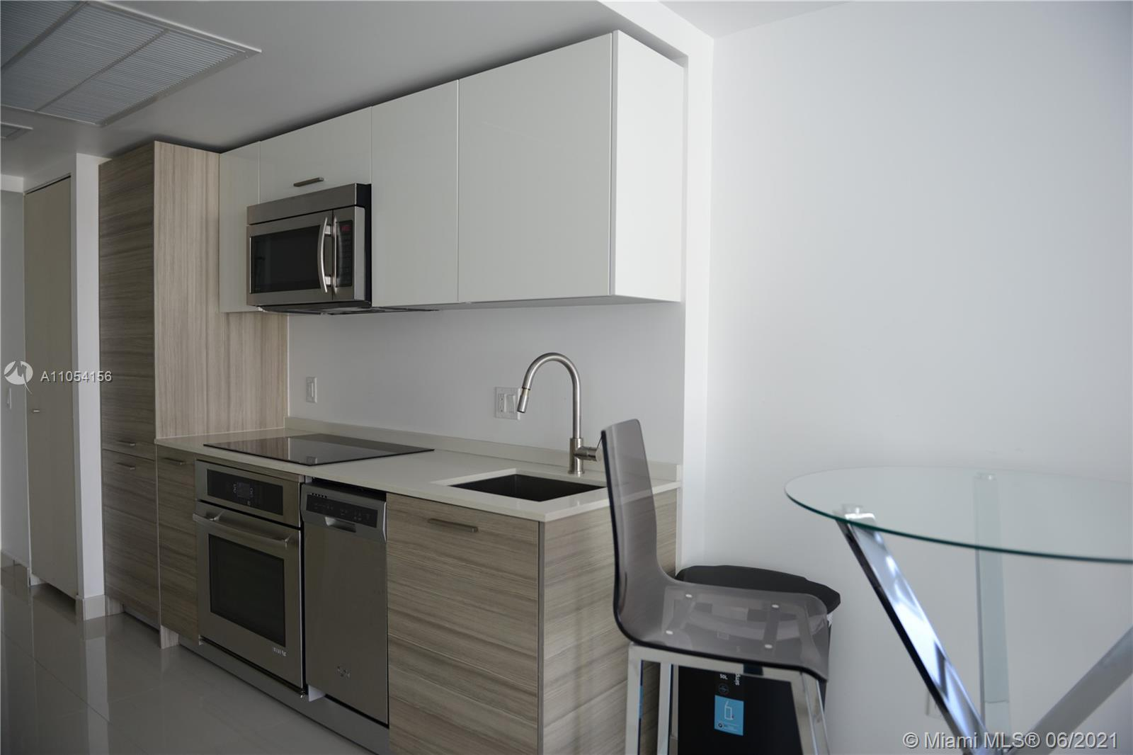 Brickell House #2513 - 1300 Brickell Bay Dr #2513, Miami, FL 33131