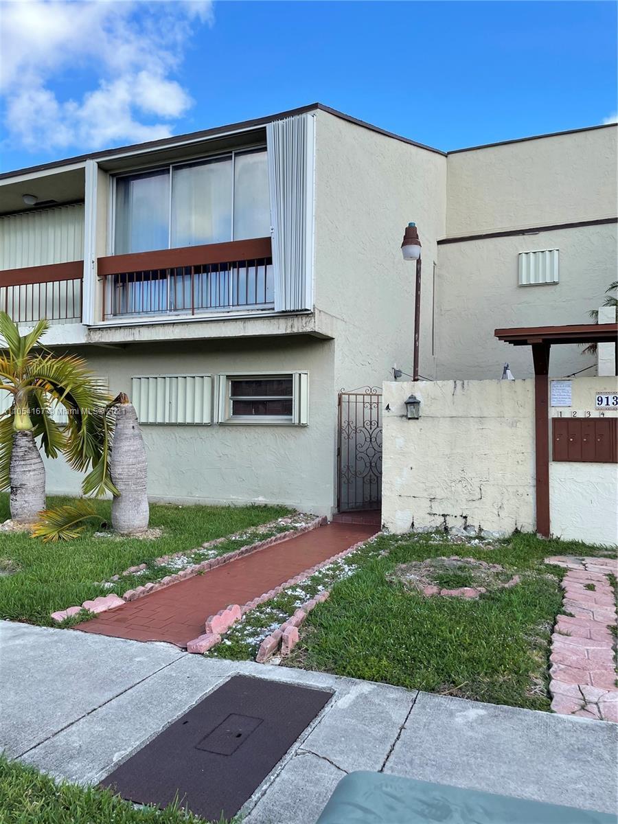 Las Ramblas #4 - 9139 Fontainebleau Blvd #4, Miami, FL 33172