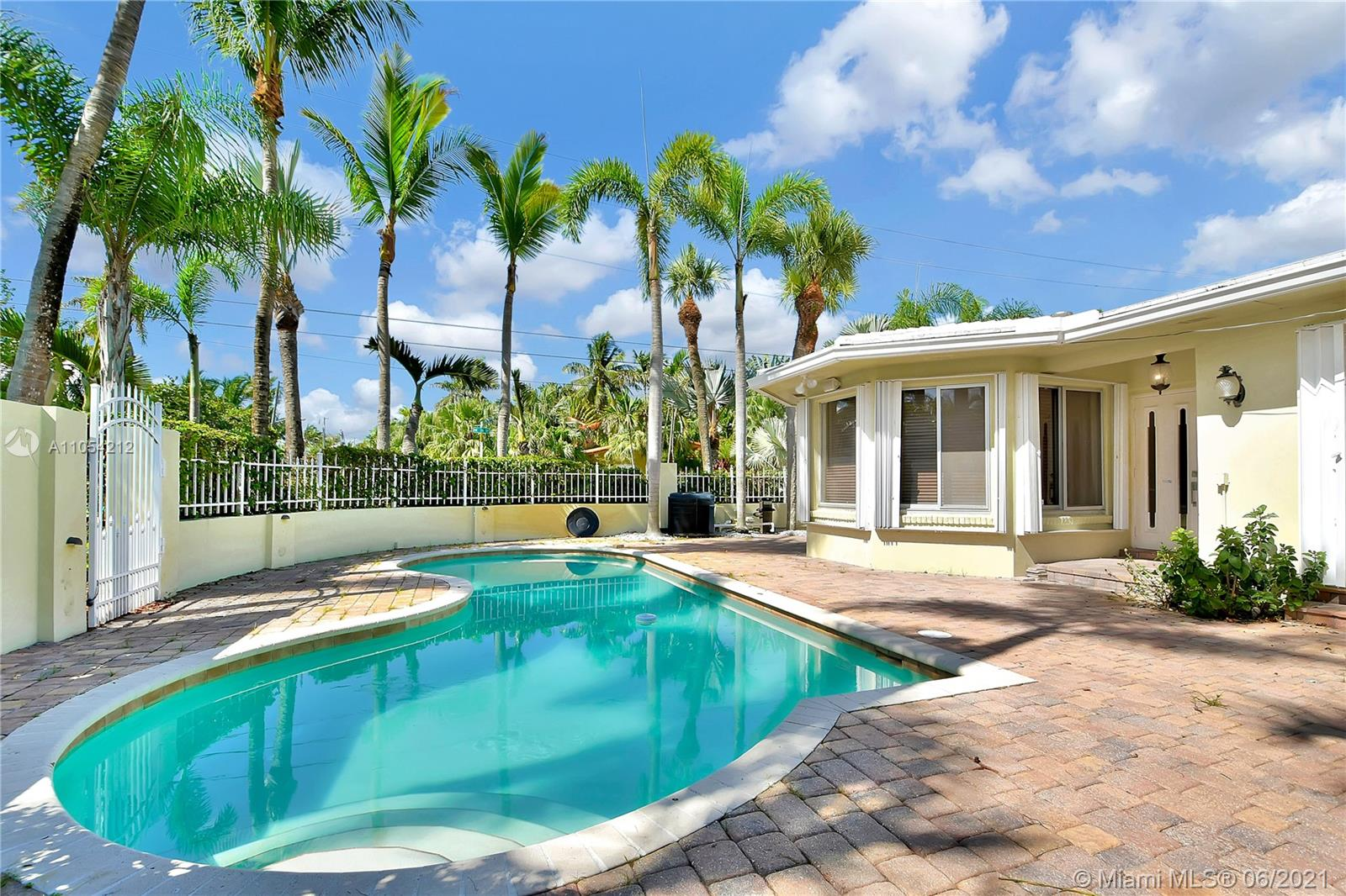 Lauderdale Beach - 3001 N Atlantic Blvd, Fort Lauderdale, FL 33308