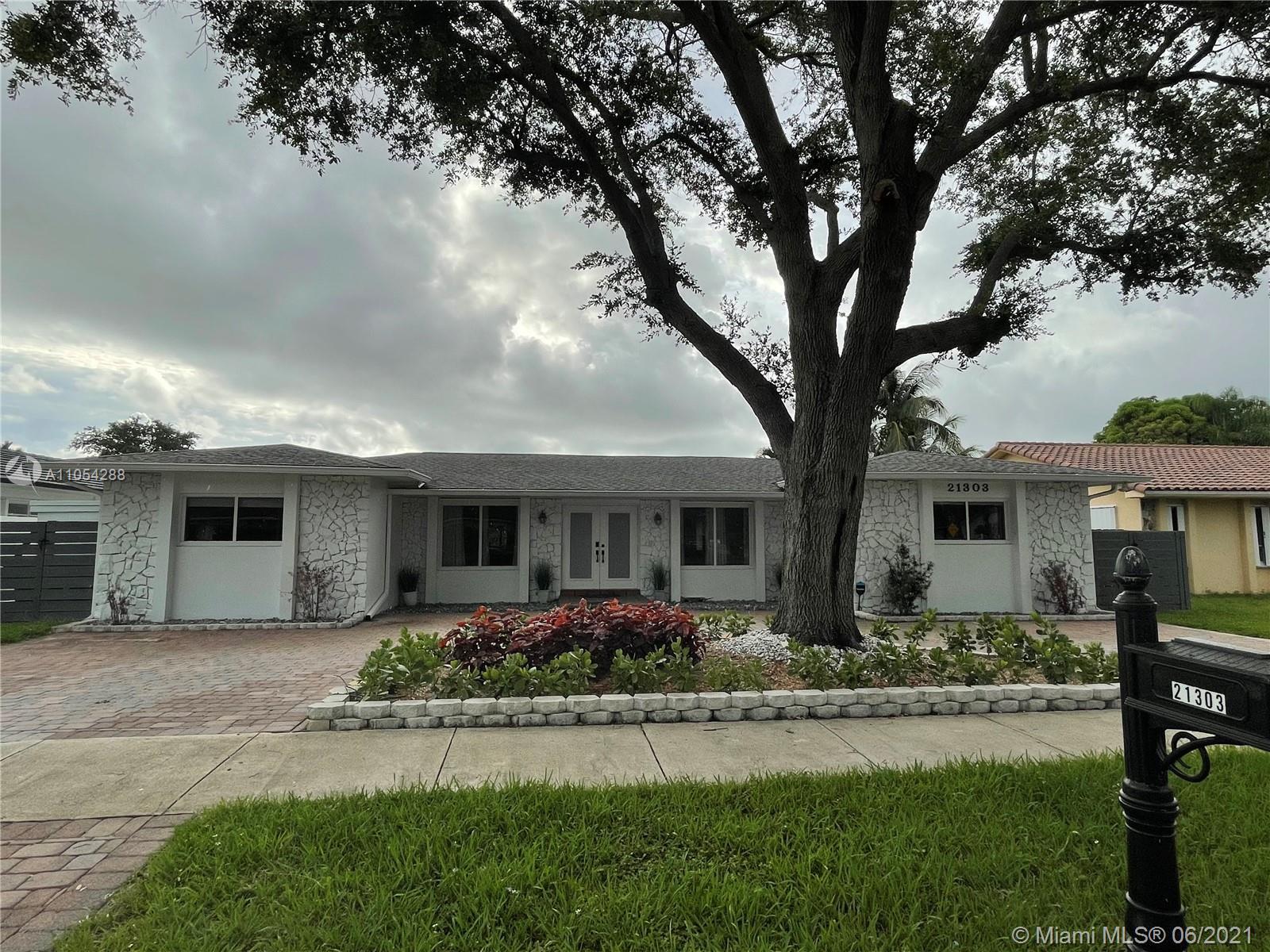 Highland Lakes - 21303 NE 18th Pl, Miami, FL 33179