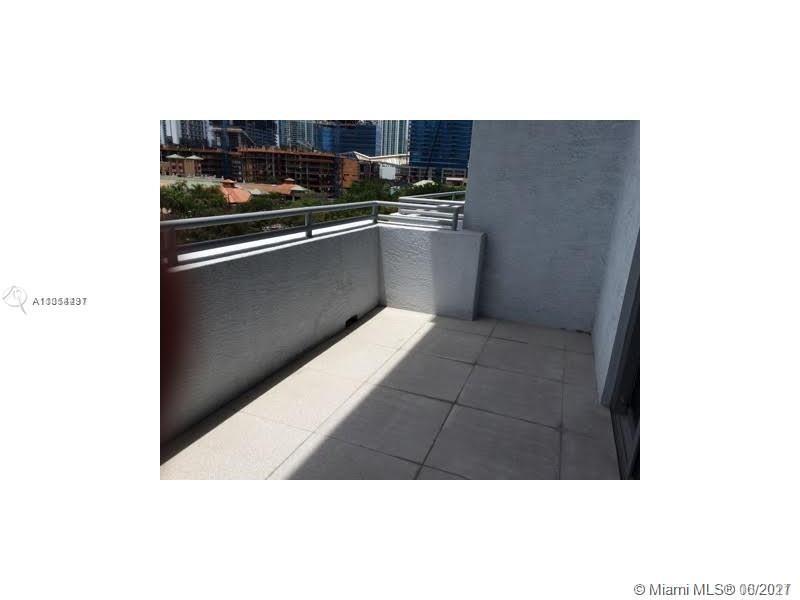 1050 Brickell Ave #614 photo010