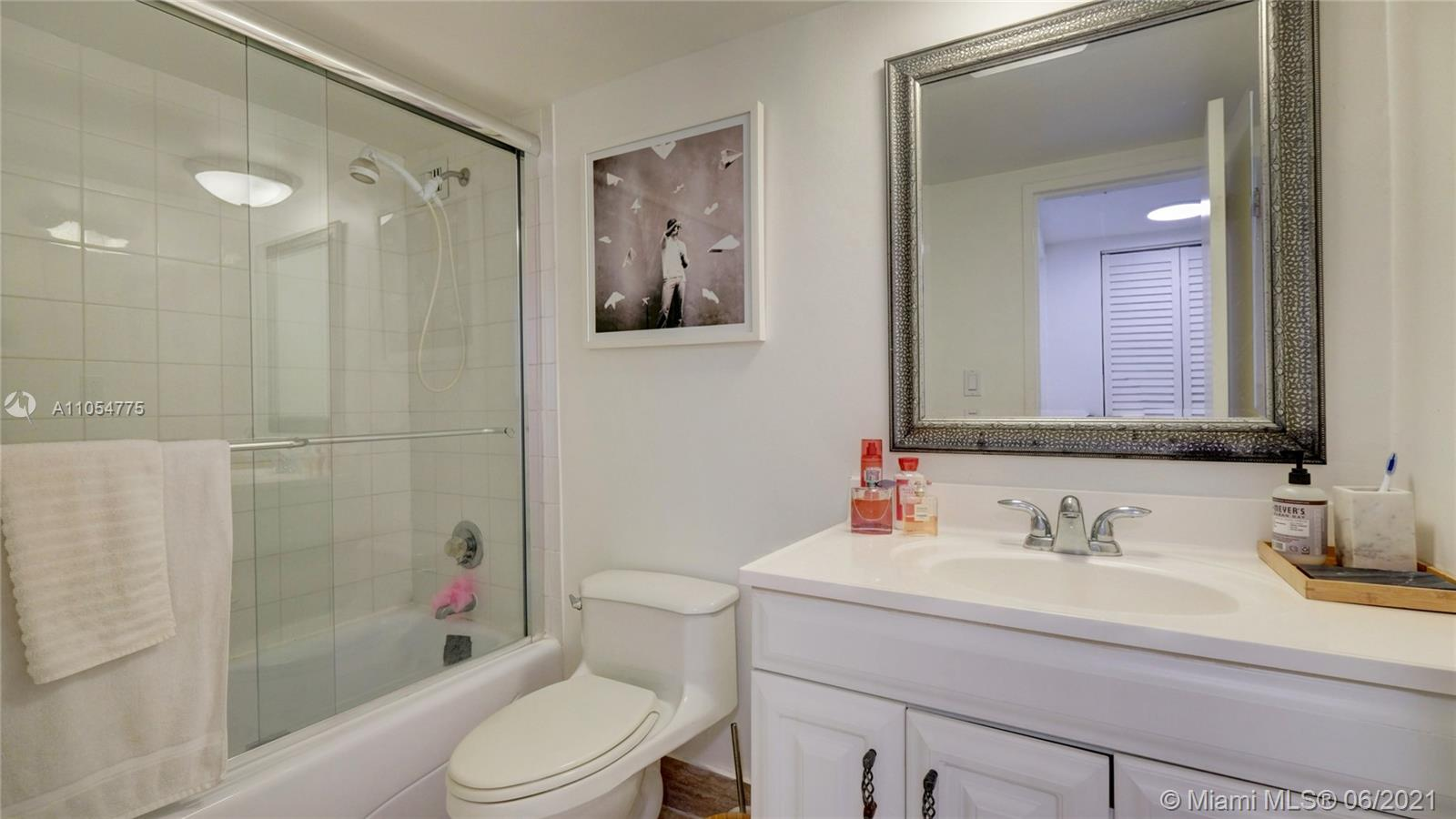 5151 Collins Ave #1126 photo024