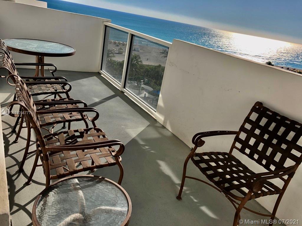 Big balcony to enjoy views