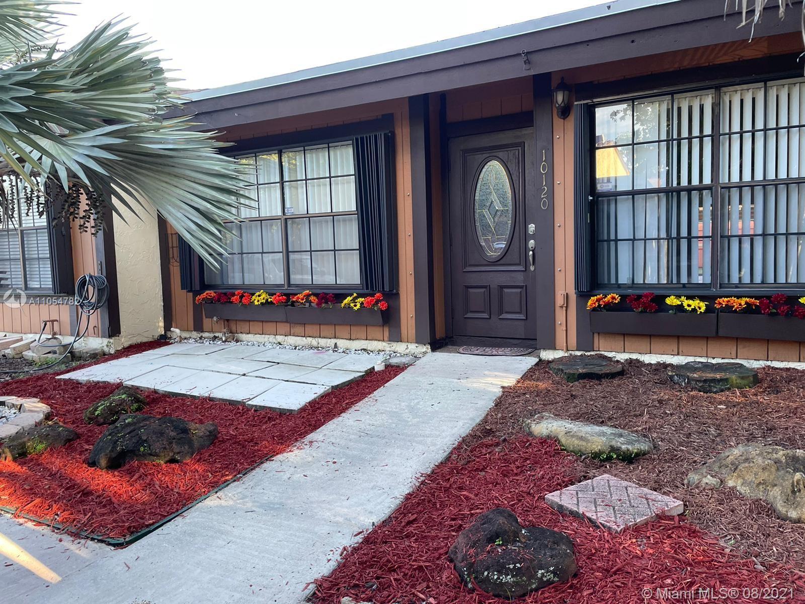 Pembroke Lakes #10120 - 10120 Woodbury Ct #10120, Pembroke Pines, FL 33026